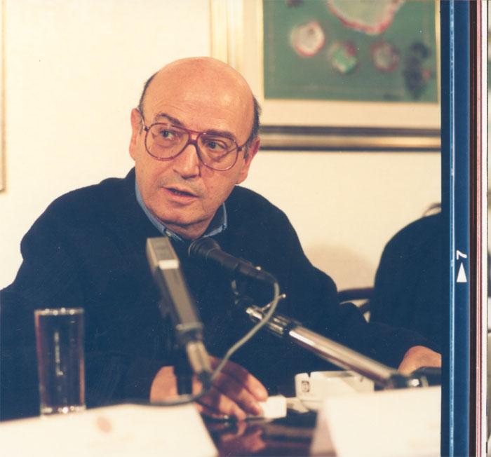 Ο Θόδωρος Αγγελόπουλος σε συνέντευξή του στο Μπάρι, 1996