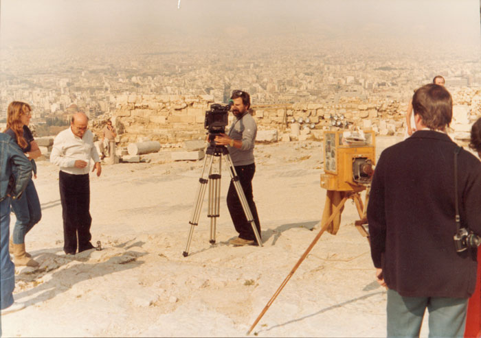 Theo Angelopoulos with his collaborators and friends during the shooting of the documentary «Athens», 1983