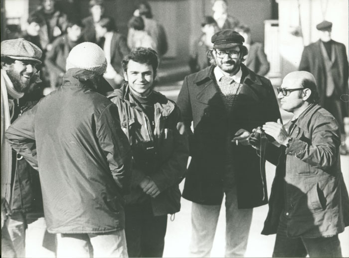 Theo Angelopoulos with his collaborators during the shooting of the film «The travelling players», 1974