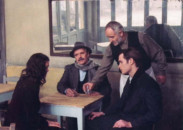Theo Angelopoulos | Eleni (Trilogia I: To Livadi pou Dakryzei) (2004)
